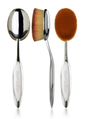 Oval 8 $62 This patented brush is perfect to apply a foundation, or setting powder to the entire face; or apply and blend bronzing or highlighting powders to large areas of the face