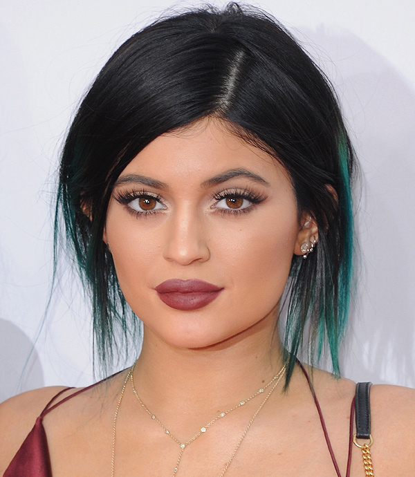 Kylie-Jenner-Makeup-2014-American-Music-Awards