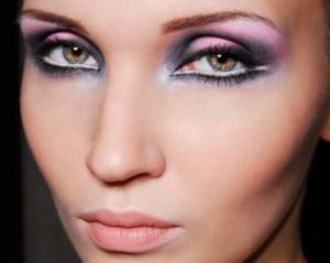 White-Eyeliner-–-White-eyeliner-Looks-300x239