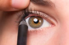 The Simple Makeup Trick That Will Make Your EyesPop!